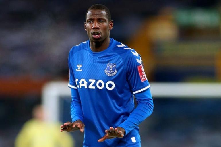 El equipazo que armaría Everton: figuras para rodear a James Rodríguez